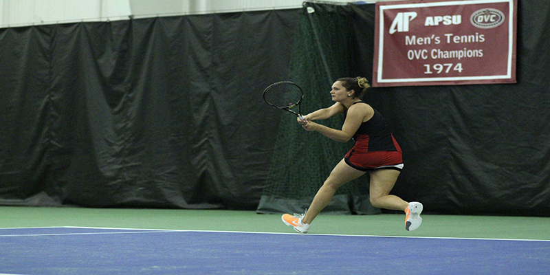 Men and women's tennis clash with Belmont