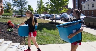 Freshman move into APSU on August 20, 2015.