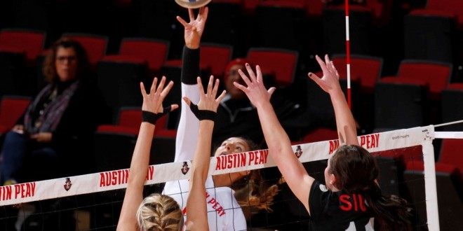 Lady Govs volleyball vs SIUE
