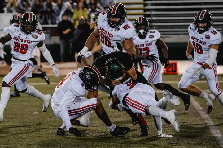 Govs cannot be stopped; trounce Hornets 42-28