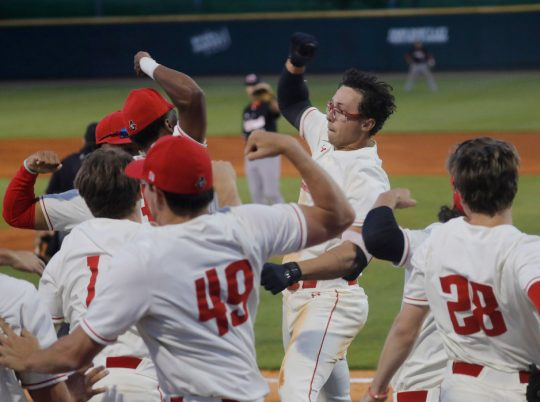 Bat Govs keep postseason hopes alive with series win over Jacksonville State