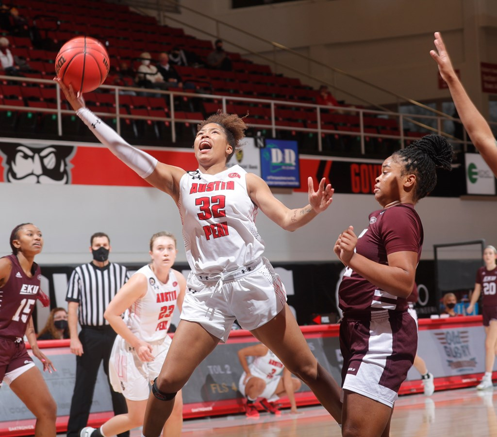 Austin Peay defeated Eastern Kentucky 69-51 Saturday in OVC action at the Dunn Center. ROBERT SMITH | APSU SPORTS INFORMATION